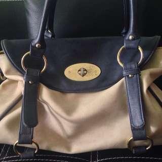 Navy Cream Hand Bag