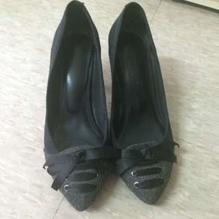 Vanilla Suite 低跟鞋
