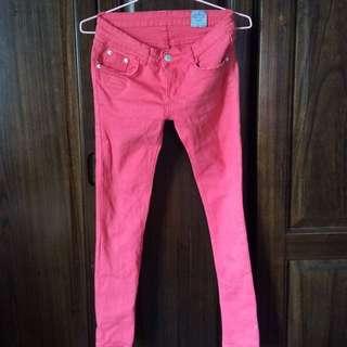 貓咪曬月亮SINMAU粉色窄管牛仔褲s號二手