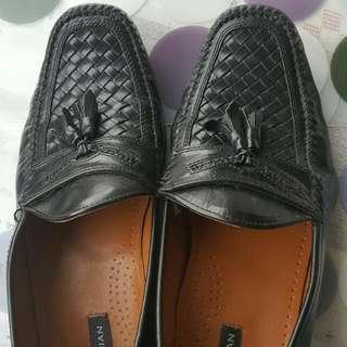 男生 (Bostonian)牛皮編織鞋,