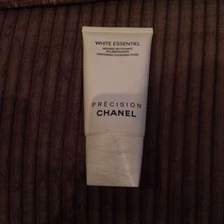 Chanel White Essentiel Cleansing Foam