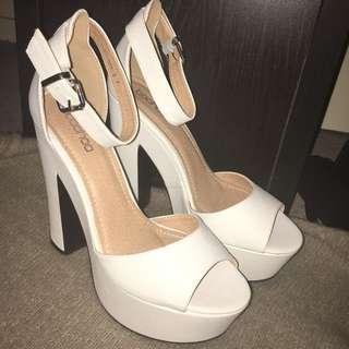 Size 9 Boohoo Platform Heels