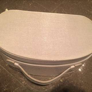La Prairie Makeup Case