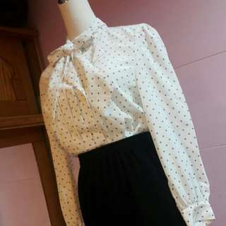 日本製免運👍白玉點點質感領結襯衫上衣