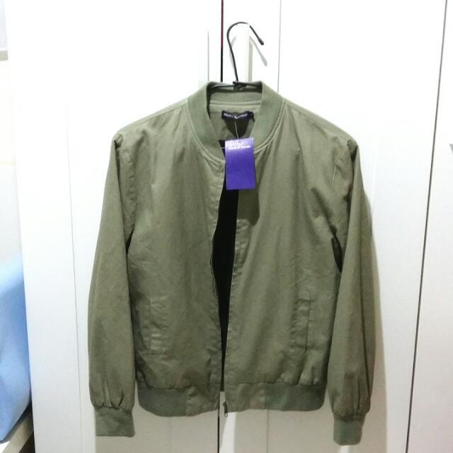 女生飛行夾克 薄款短版 淡軍綠色 全新吊牌