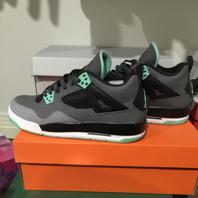 Air Jordan 4 Green Glow (pending Pick Up)