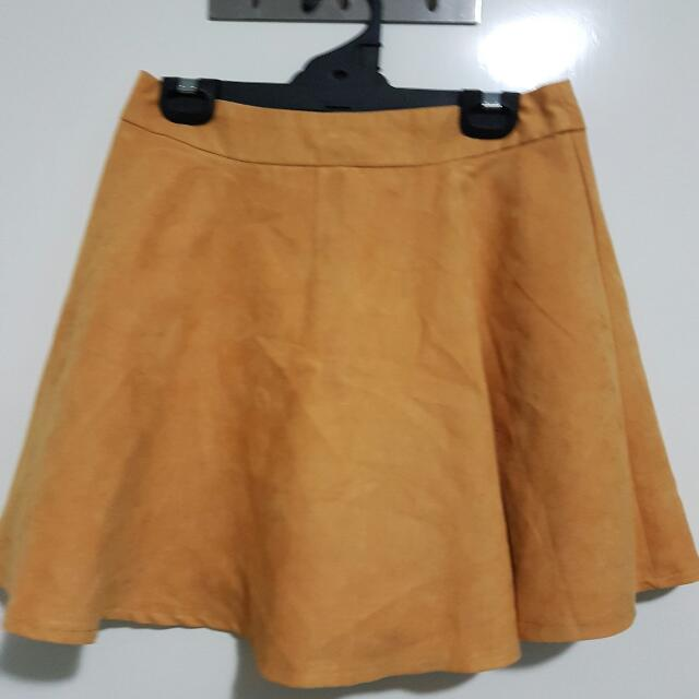 Alive Girl Size 10 Womens Suede Skirt Mustard