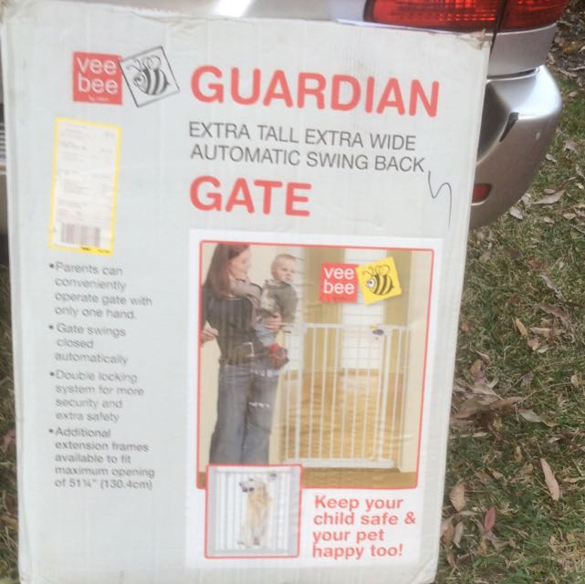 BABY GATE AS NEW