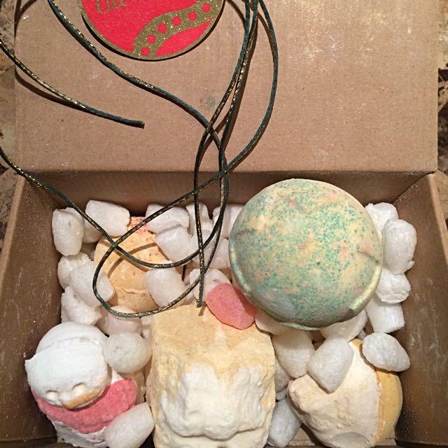 Brand new Lush bath soaps (5)