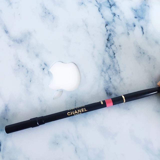 Chanel Precision Lip Definer Liner Rose Corail