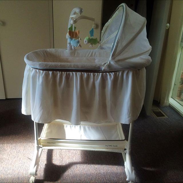 Cot/bassinet