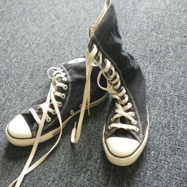 High Cut Converse Size 9