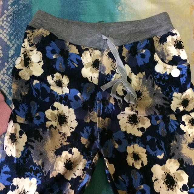 JOGGER FLOWERY PANTS
