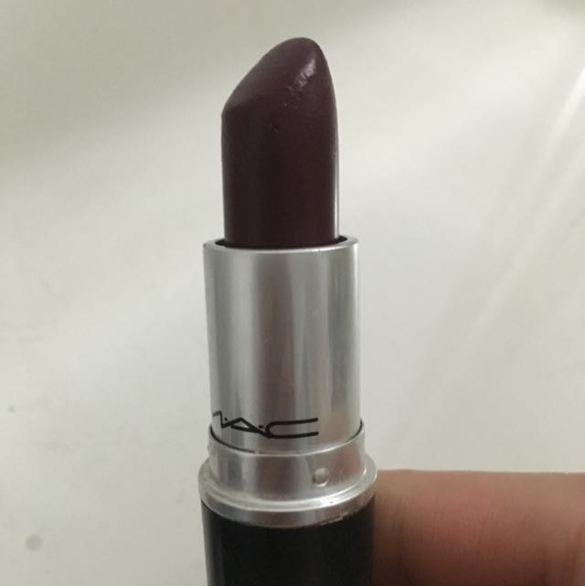 MAC Hang up Lipstick Cremesheen