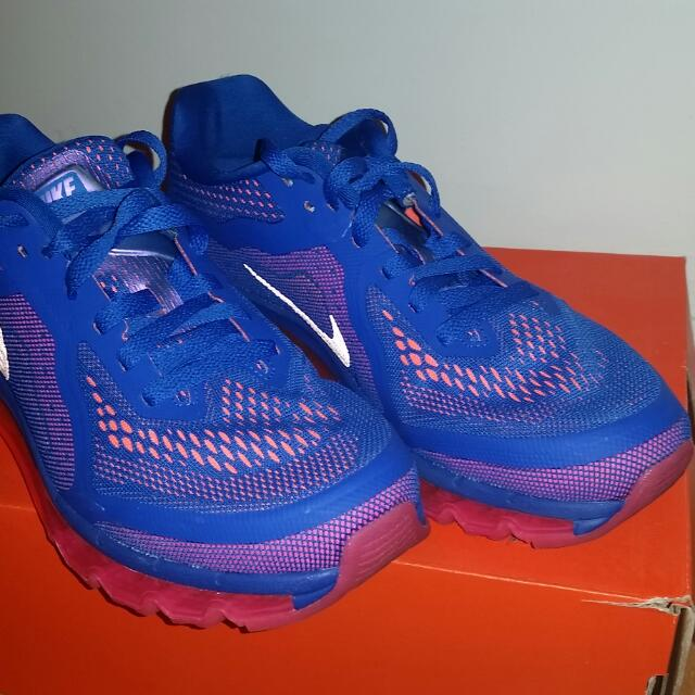 Nike Woman's Air Max Size 9 Like New!