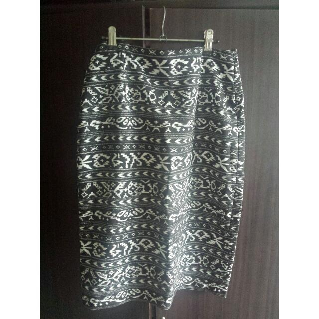 Pencil Skirt (SM Woman)