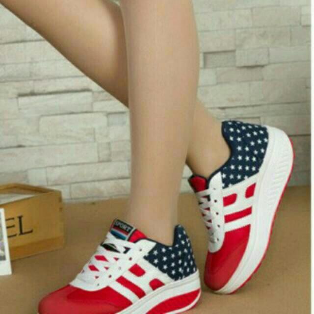 Sepatu Kets Bintang Merah