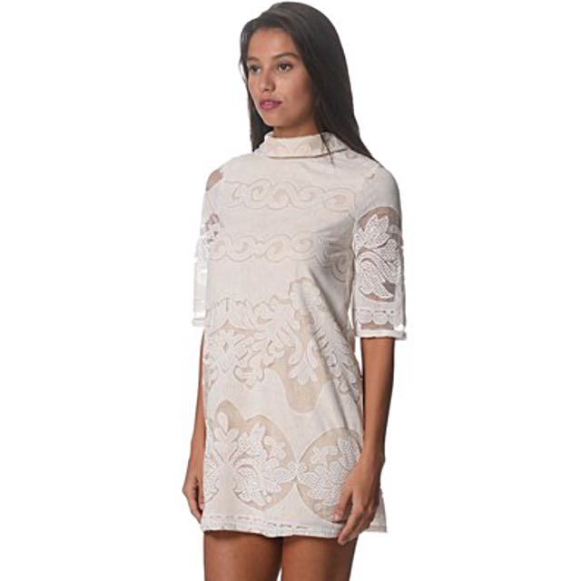 Stunning Elegant Ebonie N Ivory Short Leave Lace Overlay Dress