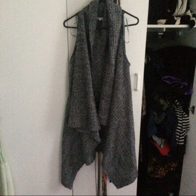Super Knitted Vest