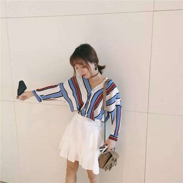 (全新)V領藍紅撞色條紋襯衫