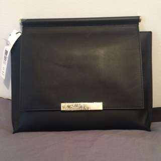 Large Black Alice And Olivia Clutch