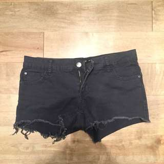 Never Worn Harlow Shorts (size 26)