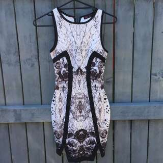 Short Sleeve Printed Fitted Dress