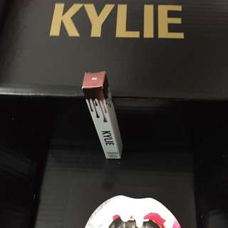 "100% AUTHENTIC KYLIE COSMETICS BY KYLIE JENNER METAL MATTE ""REIGN"""