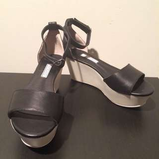 Tony Bianco Flatform Sandals