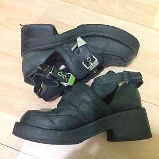 Shoess~