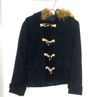 深藍色扣式厚外套