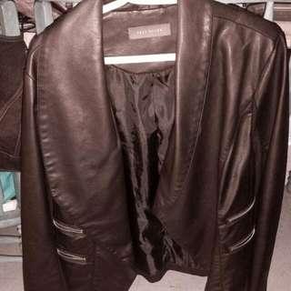 >price Drop> Suzy Shier Fake Leather Jacket Blazer