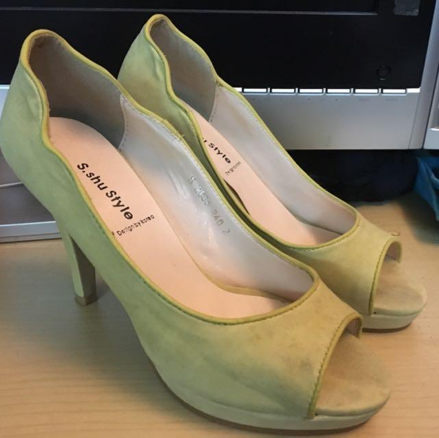 韓國帶回鵝黃設計款高跟鞋