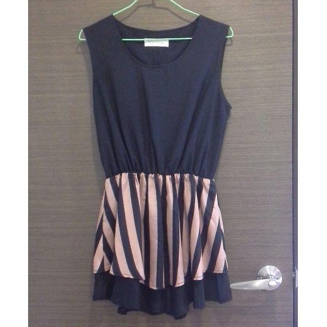 黑粉直條紋背心洋裝