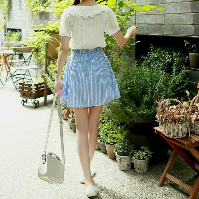 (免運)刺繡花朵拼接直條紋小洋裝