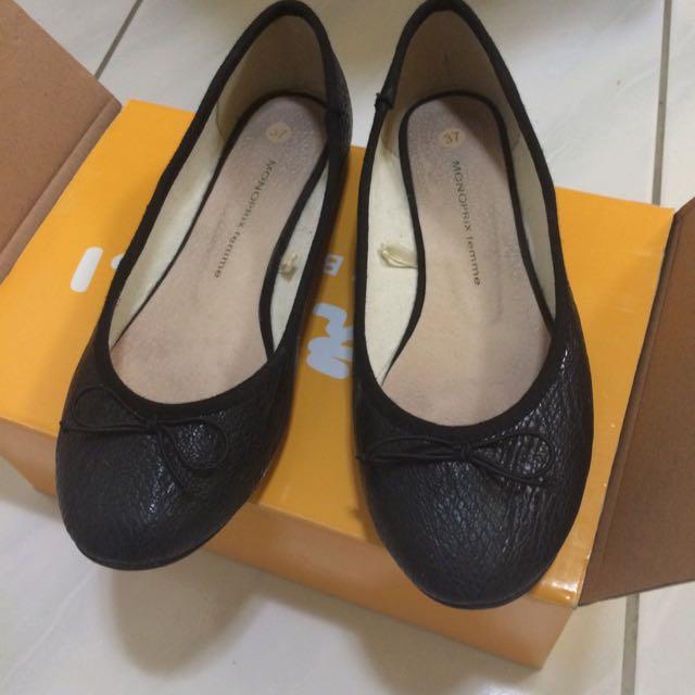 黑色 紋路 皮革 平底 娃娃鞋