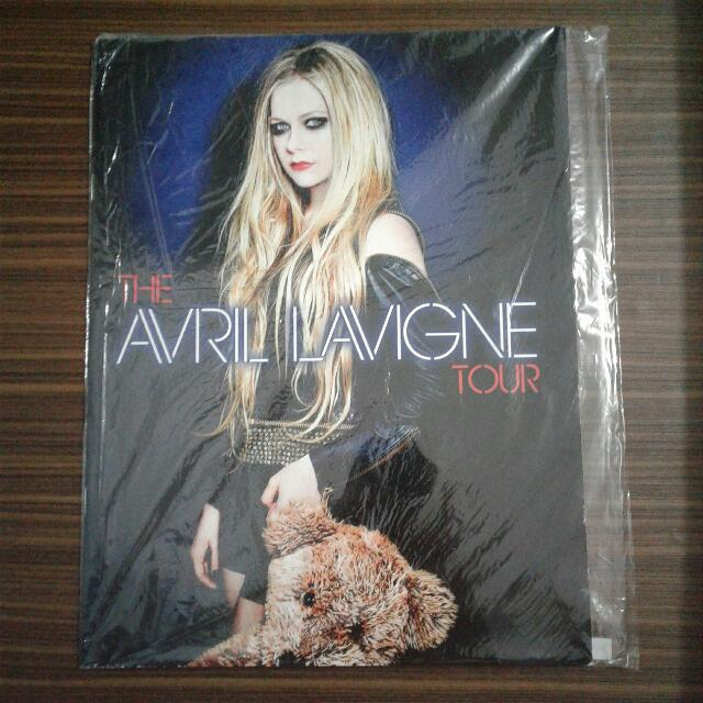 Avril Lavigne Tour Book 2014