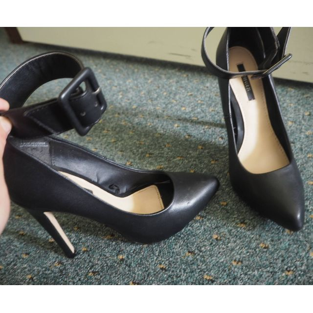 Black Stiletto Pumps with Ankle Strap High Heels - SIZE 6