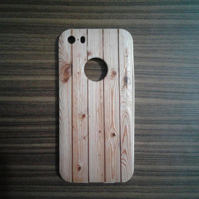 Casing Iphone 5s Motif Kayu