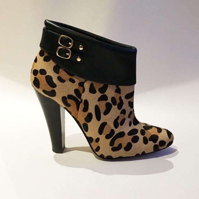 Fantastic Leopard Booties // Size 6