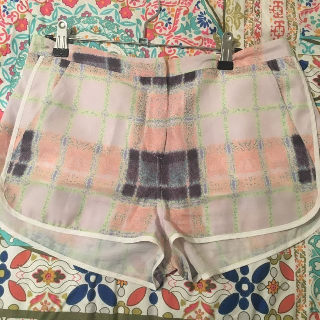 Finders Keepers Cream Puff Tartan Shorts SZ M