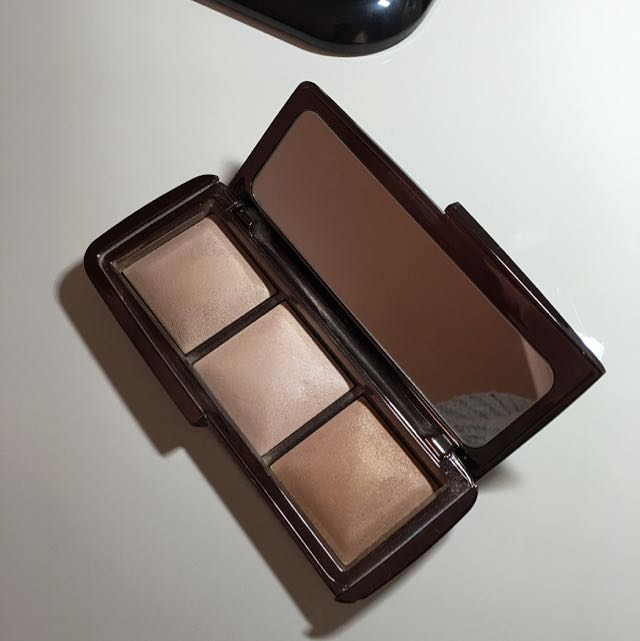 Hourglass Lightening Ambient Pallete