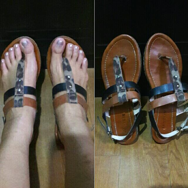 Janylin Sandals