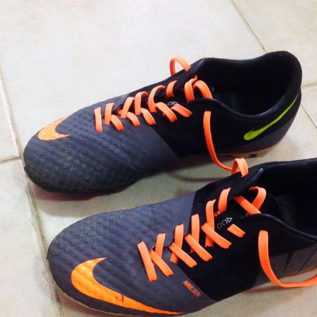 34ec1c203 Nike Bomba Finale II Futsal Shoes