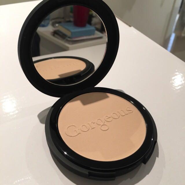 Powder Perfect Pressed Powder - Gorgeous Cosmetics