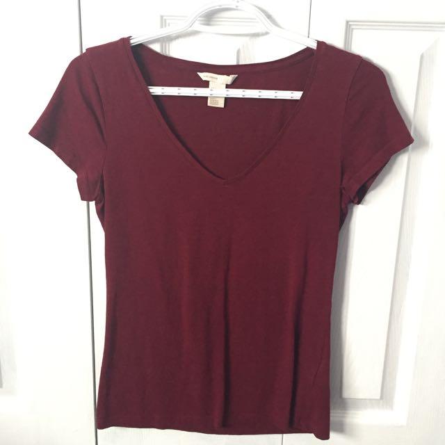 S red v-neck tshirt H&M