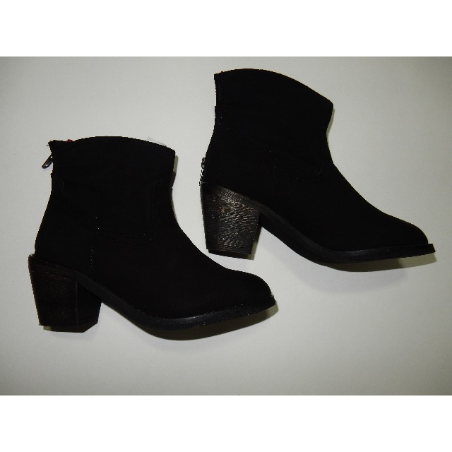 Skechers Boots size 6