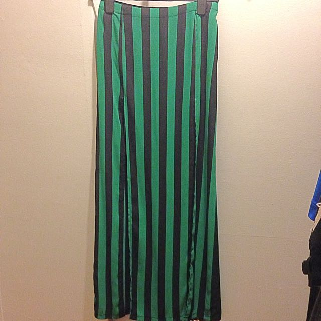 Trendy Maxi Skirt With 2 Front Slits