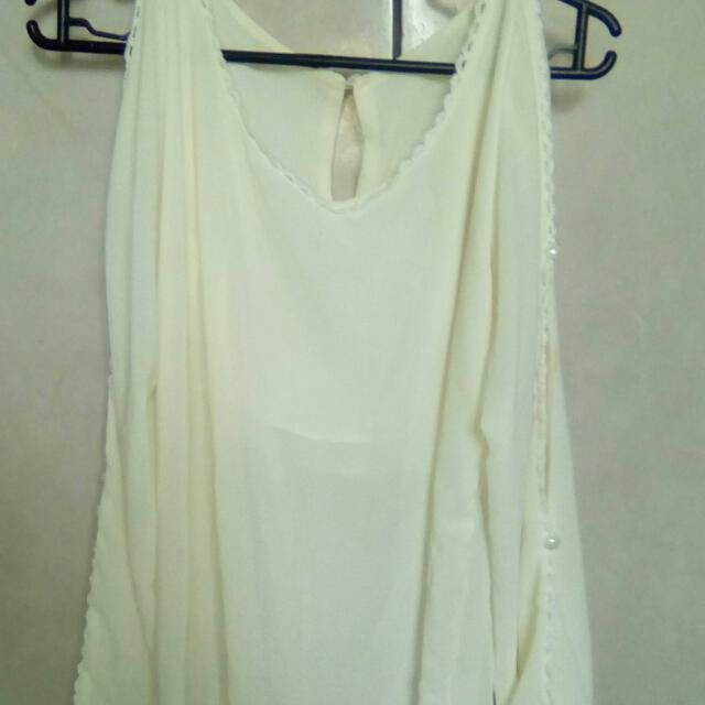 white long sleeve with pearl