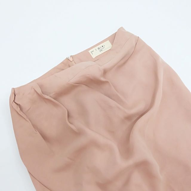 [X]S.M.L MINI BALLOON SKIRT (in Beige Pink color)